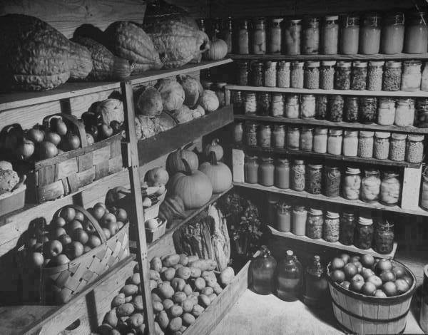 1910 fruit room